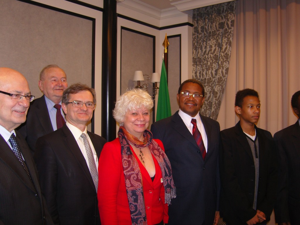 Rozmowy z Prezydentem Tanzanii, UFPS, Światła dla Afryki